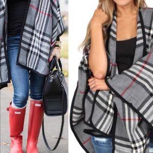 Jackets & Blazers - LAST ONE ♥️Grey Plaid Ruana Wrap
